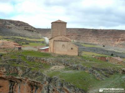 Cañón Caracena; Encina  Valderromán; madrid hiking agencia de viaje en madrid rutas senderismo en
